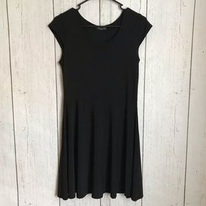 Cute and simple black dress size L
